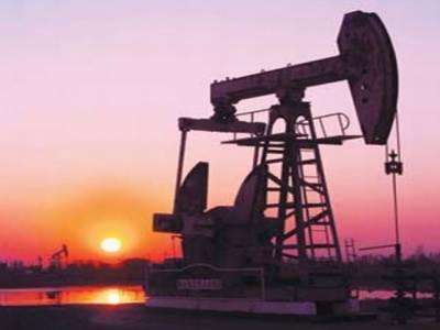 عالمی منڈی میں خام تیل کی قیمت فی بیرل ڈھائی ڈالر کمی کے بعد ایک سو اکیس ڈالر ہوگئی ۔