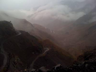 ملک کے زیادہ ترعلاقوں میں موسم خشک رہے گا تاہم کشمیر اور اس سے ملحقہ پہاڑی علاقوں میں ہلکی بارش کا امکان ہے. محکمہ موسمیات