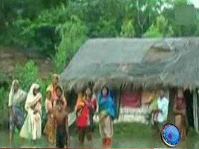 بنگلہ دیش میں تیز ہواؤں اور طوفانی بارشوں کے نتیجے میں سترہ افراد ہلاک جبکہ درجنوں زخمی ہوگئے۔