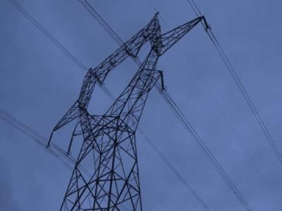 شارٹ فال تریسٹھ سو ميگاواٹ تک پہنچ گيا، شديد گرمی ميں بجلی کی طويل لوڈشيڈنگ، شہريوں کی زندگی اجيرن۔