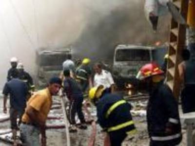 عراق میں سڑک کنارے نصب دوبم دھماکوں کے نتیجے میں آٹھ افراد ہلاک اور پچاس سے زائد زخمی ہوگئے