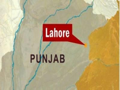 لاہور: انسداد دہشتگردی کی عدالت نمبر تین کے باہر سے سات افراد کو گرفتار، قبضے سے بھاری اسلحہ بھی برآمد ۔