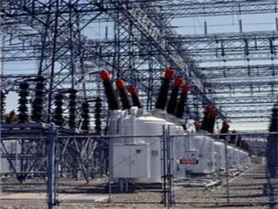 ملک میں بجلی کا شارٹ فال مزید کم ہوکرچارہزاربارہ میگاواٹ ہوگیا, لیکن لاہورسمیت دوسرے شہروں میں غیراعلانیہ لوڈشیڈنگ کا سلسلہ بدستورجاری ہے.