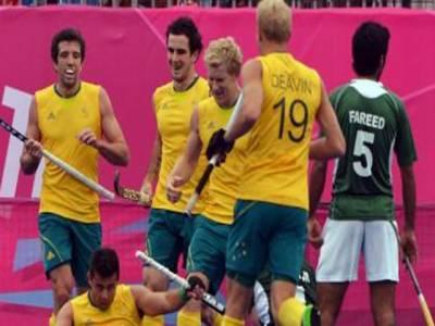 لندن اولمپکس کے مینزہاکی ایونٹ میں آسٹریلیا نے پاکستان کو آؤٹ کلاس کرتے ہوئے سات گولز سے شکست دے کر سیمی فائنل کیلئے کوالیفائی کرلیا۔