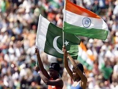 ٹی ٹوئنٹی ورلڈکپ میں کے پہلے وارم اپ میچ میں آج پاکستان کا مقابلہ روایتی حریف بھارت سے ہوگا۔