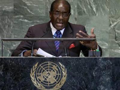 زمبابوے کے صدر رابرٹ موگابے سلامتی کونسل پر برس پڑے۔ لیبیا میں نیٹوکی مداخلت اور معمر قذافی کو ہٹانے کے طریقے کی شدید مذمت کی۔