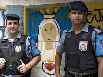 برازیل کی پولیس نے برازیل میں گوگل کے صدرفیبیو ژوزے سِلوا کوئلیو کو یو ٹیوب سے چند ویڈیوزہٹانے سے انکارکرنے پرحراست میں لے لیا.