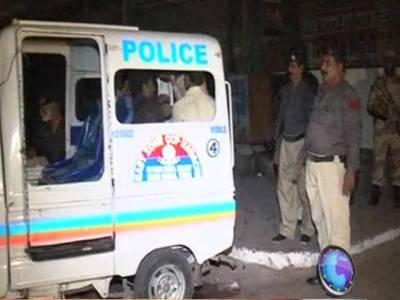 کراچی: اورنگی ،منگھوپیراورکنواری کالونی میں مختلف گروہوں کےدرمیان فائرنگ, رینجرزاورپولیس کا ٹارگٹ آپریشن, چالیس سے زائدا فراد کوحراست میں لے کراسلحہ اورمنشیات برآمد کرلی۔