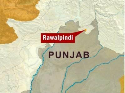 راولپنڈی کے علاقے موتی محل چوک میں حساس ادارے کے اہلکارکونشہ آورمشروب پلا کرلوٹ لیا گیا، اہلکارکوڈی ایچ کیومنتقل کردیا گیا۔