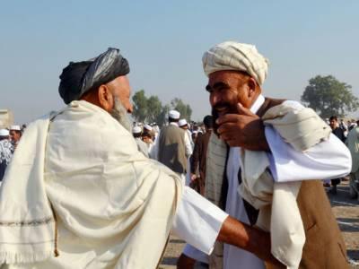پشاور سمیت خیبرپختونخواہ کے دیگر اضلاع میں مقیم افغان مہاجرین آج عیدالالضحیٰ منارہے ہیں۔