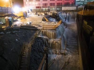 امریکہ کی مشرقی ریاستوں میں سینڈی طوفان کی تباہ کاریاں جاری ہیں، نیوجرسی میں ڈیم ٹوٹنے سے ہزاروں افرادپھنس گئے،نیویارک کی سڑکوں پرپانی کی سطح تیرہ فٹ تک بلندہونے