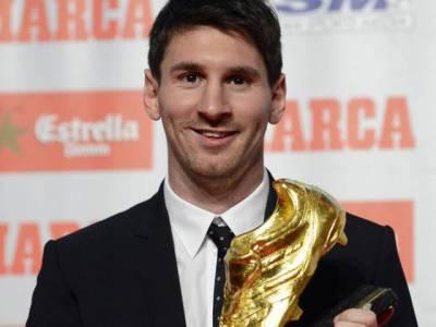 ارجنٹائن اور بارسلونا کے اسٹار فٹ بالر لائنل میسسی نے کیرئیر میں دوسری بار گولڈن بوٹ ایوارڈ جیت لیا۔