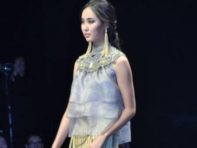 چین میں جاری انٹرنیشنل فیشن ویک میں ازبک ڈیزائنر کے ملبوسات کی نمائش کی گئی۔