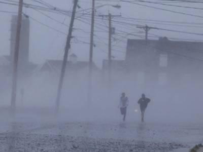 خوفناک سمندری طوفان سینڈی امریکا میں تباہی مچانے کے بعد کینیڈا پہنچ گیا۔ امریکہ میں زندگی آہستہ آہستہ معمول پرآنے لگی ہے