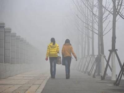 چین میں دھند نے ملک کے مشرقی حصے کو اپنی لپیٹ میں لے لیا، حدنظر کم ہونے کے باعث ٹریفک کو روک دیاگیا