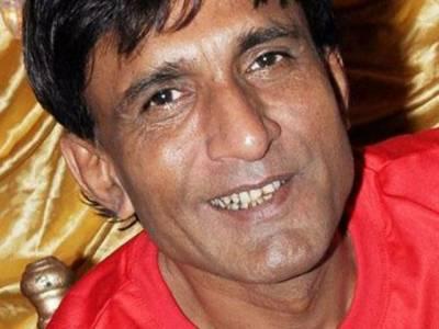 ملک کے معروف مزاحیہ اداکار سکندر صنم کینسر کے مرض سے زندگی کی بازی ہار کر کراچی میں انتقال کرگئے۔
