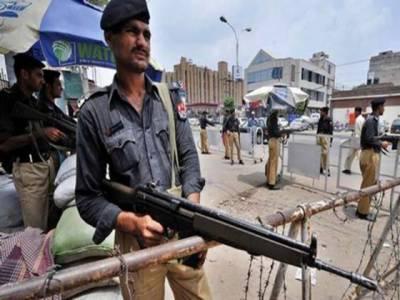کراچی میں کسی بھی ناخوشگوار واقعہ سے بچنے کے حوالے سے یوم عاشورپرمجالس اورجلوسوں کے لیے سکیورٹی کے سخت انتظامات کیے گیے ہیں۔