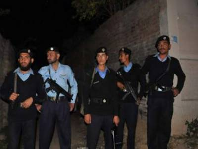 اسلام آباد پولیس کا دہشتگردی کے خدشات مختلف علاقوں میں سرچ آپریشن, تیرہ مشتبہ افراد کو حراست میں لے لیا۔ ناجائزاسلحہ، ایک گاڑی اورمنشیات بھی برآمد۔