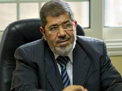 مصر میں حکومت اوراپوزیشن میں آئینی اصلاحات پرمذاکرات کامیاب ہوگئے ہیں جس کےبعد صدرمحمد مرسی نےاپنےاختیارات میں توسیع کا حکم نامہ کالعدم قراردےدیا ہے۔