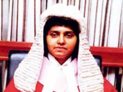 سری لنکا کی پارلیمانی کمیٹی نے چیف جسٹس شیرانی بندرانائکے کو بے ضابطگی کے تین الزامات میں قصوروار قرار دیا ہے۔