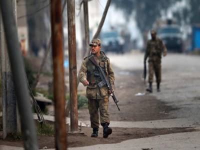 پشاور دہشت گردوں کےنشانے پر آگیا، رات ائیرپورٹ پر حملہ ناکام بنایاگیا تو آج پاؤلہ میں پانچ حملہ آور مار ڈالےگئے