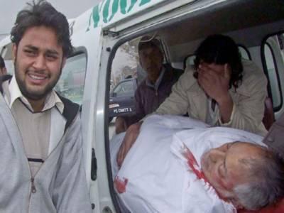 کوئٹہ: ضلع کچہری کے قریب نامعلوم افراد کی فائرنگ سے ڈپٹی ڈائریکٹر محکمہ تعلقات عامہ خادم حسین نوری اور دو پولیس اہلکار جاں بحق۔