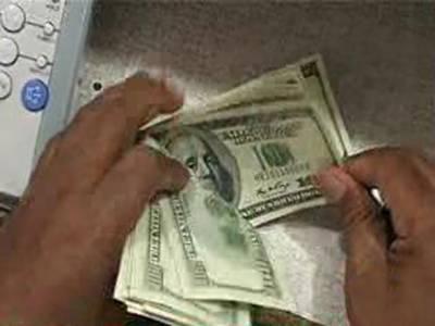 اوپن مارکیٹ میں ڈالرکی قیمت ریکارڈ سطح 99 روپے پچاس پیسے پرپہنچ گئی۔