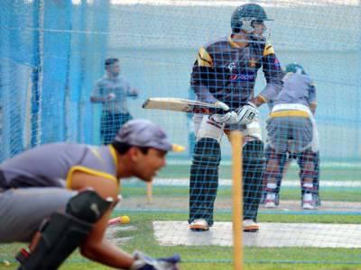 بھارت کے خلاف کرکٹ سیریز کا معرکہ سر کرنے قومی ٹی ٹوئنٹی ٹیم کل لاہور سے دہلی روانہ ہوگی۔