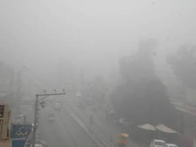 شدید دھند کے باعث لاہور تا پشاوراور کوٹ مومن سے فیصل آباد موٹر وے کو بند جبکہ اسلام آباد ایئر پورٹ پر پروازوں کی آمدو رفت بھی متاثر ہورہی ہے۔