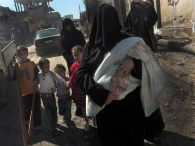 شام میں فورسز اورباغیوں کےدرمیان لڑائی کےبعد شہریوں کی ترکی اوردوسرے ہمسایہ ممالک ہجرت کا سلسلہ جاری ہے۔