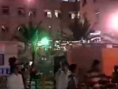 کراچی میں یکے بعد دیگر دو بم دھماکوں میں چوبیس افراد جاں بحق جبکہ پچاس سے زائد زخمی ہوگئے۔