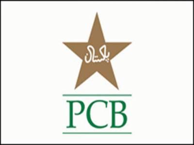 پاکستان کرکٹ بورڈ کی سلیکشن کمیٹی نے سینٹرل کنٹریکٹ 2013 کیلئے کھلاڑیوں کے ناموں کی فہرست حتمی منظوری کیلئے چیئرمین کوبھجوادی۔