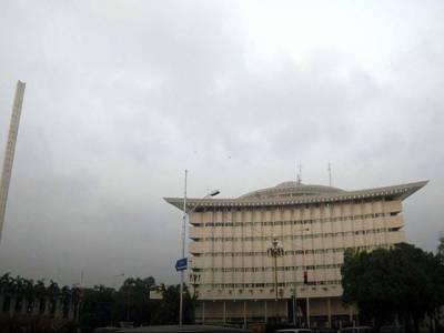 محکمہ موسمیات نے آئندہ چوبیس گھنٹے کےدوران ملک کے اکثر علاقوں میں گرج چمک کے ساتھ مزید بارش کی پیشگوئی کر دی۔