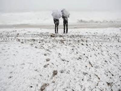 اسپین کےمختلف علاقوں میں شدید برفباری اوربارش سے روزمرہ زندگی معطل ہوکررہ گئی۔