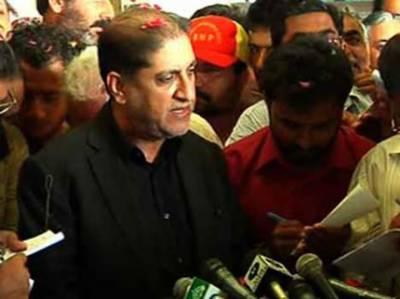 سابق وزیراعلیٰ بلوچستان اور بلوچستان نیشنل پارٹی کےسربراہ دبئی سے وطن واپس پہنچ گئے. کہتے ہیں بلوچستان اب بھی لہو لہو ہے ،کوئی معجزہ ہی امن لاسکتا ہے.