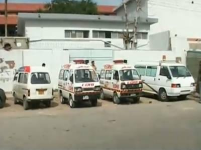 کراچی میں ٹارگٹ کلنگ کا سلسلہ جاری.، گذشتہ رات سے اب تک مزید دو افراد ٹارگٹ کلنگ کا شکار ہوچکے. سیکیورٹی گارڈ کی فائرنگ سے ایک ڈاکو بھی مارا گیا۔