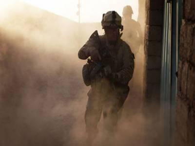 افغانستان میں خود کش حملے میں سفارت کاراور تین فوجیوں سمیت پانچ امریکیوں سمیت چھ افراد ہلاک ہو گئے.