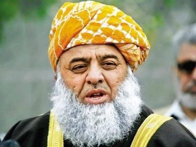 جے یو آئی طالبان کے ساتھ مذاکرات کی حامی ہے، امریکہ کو شرائط کی بجائے اعتماد کی فضا قائم کرنے کے لیے کوشش کرنی چاہیئے.مولانا فضل الرحمان .