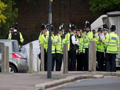 برطانیہ کے علاقے ٹپٹن میں ایک مسجد کے قریب زور دار دھماکے کی آواز سنی گئی، پولیس نے علاقے کو گھیرے میں لے کر تفتیش شروع کر دی ہے۔