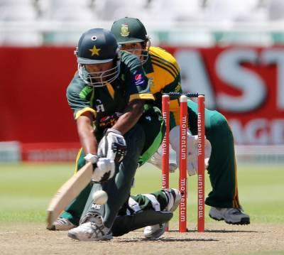 پاکستان اور جنوبی افریقہ کے درمیان جاری ون ڈے سیریز کا دوسرا میچ آج پورٹ الزبتھ میں کھیلا جائے گا۔