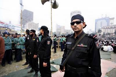 بنگلہ دیش کے الیکشن کمیشن نےملک میں عام انتخابات کے دوران سکیورٹی کےانتظامات فوج کے حوالے کرنے کا فیصلہ کرلیا