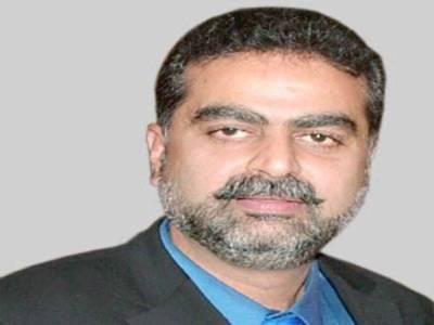 حکومت پنجاب کے ترجمان زعیم قادری کا کہنا ہے کہ پٹرول کی قیمتوں میں تاریخی کمی کے ثمرات جلد عوام تک پہنچنا شروع ہوجائیں گے