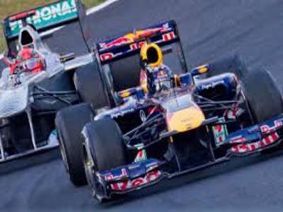 جرمن فارمولا ون ڈرائیور نیکو روزبرگ نے برازیلین گراں پری کا پریکٹس سیشن جیت لیاریس کے دوران ڈرائیورز حادثات کا شکار بھی ہوئے