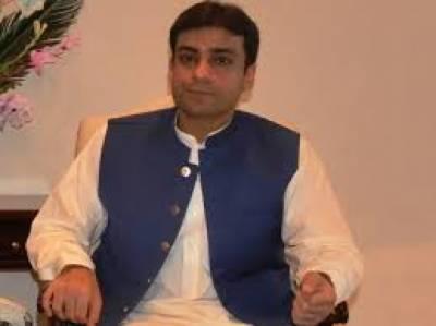 مسلم لیگ ن کے رہنما حمزہ شہبازکا کہنا ہے کہ عمران خان دوغلے پن کا مظاہرہ کررہے ہیں