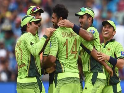 کرکٹ ورلڈ کپ کا سب سے بڑے معرکہ ، بھارت نے پاکستان کو جیت کے لئے 301 رنز کا ہدف دے دیا