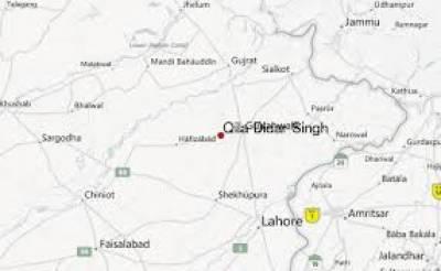 قلعہ دیدار سنگھ میں ڈکیتی میں مزاحمت پرڈاکوؤں کی فائرنگ سےچارافراد زخمی ہوگئے۔