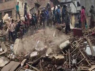 نیپال کے لاکھوں زلزلہ متاثرین نے دوسری رات بھی کھلے آسمان تلے گزاری جبکہ ہلاکتوں کی تعداد 3218 ہو چکی