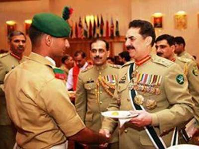 راولپنڈی میں ہونے والی کور کمانڈرز کانفرنس میں پاک فوج کے پیشہ ورانہ اور تربیتی امور پر تبادلہ خیال