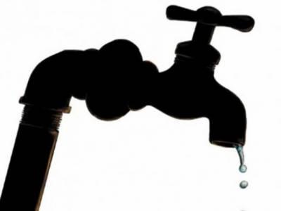 کراچی میں بجلی اورگیس کی غیراعلانیہ لوڈ شیڈنگ کے بعد پانی کا بحران بھی شدت اختیار کرگیا