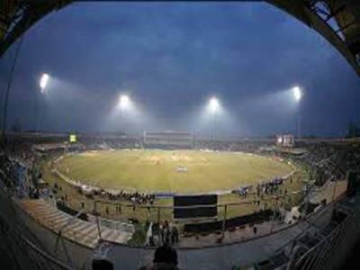 پاکستان اور زمبابوے کے درمیان پہلا ٹی ٹوئنٹی کل قذافی سٹیڈیم لاہور میں کھیلا جائےگا